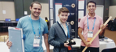 Intel premio a dos jóvenes argentinos por CUBOIDE, su robot para aprender a programar