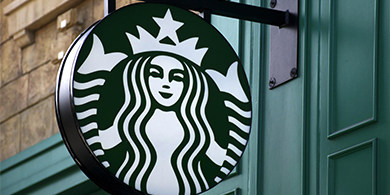 Starbucks usaba las notebooks de los clientes para minar criptomonedas